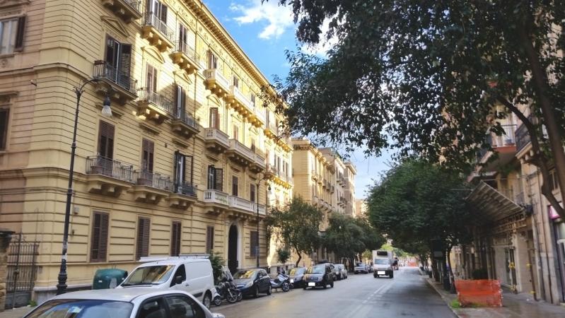 3 VANI di 80 Mq ZONA POLITEAMA/ TRIBUNALE Appartamenti