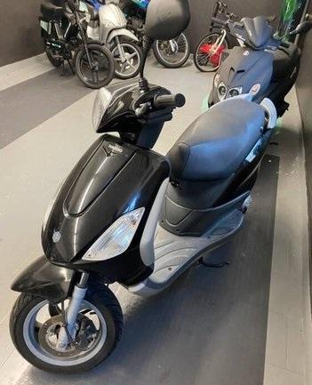 Piaggio Fly 50 - Moto e Scooter