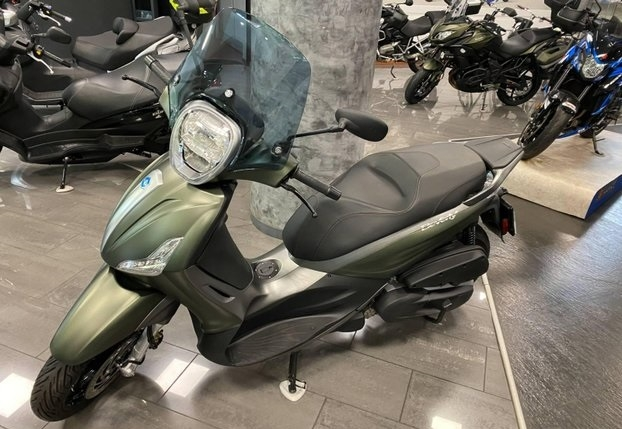 Piaggio Beverly 350 Moto e Scooter