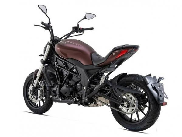 Benelli 502 C Moto e Scooter