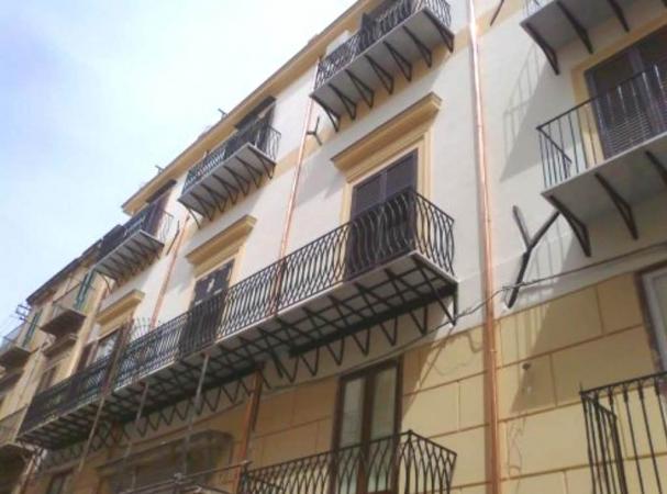 3 VANI di 85 Mq ZONA MAQUEDA/ BALLARO' Appartamenti
