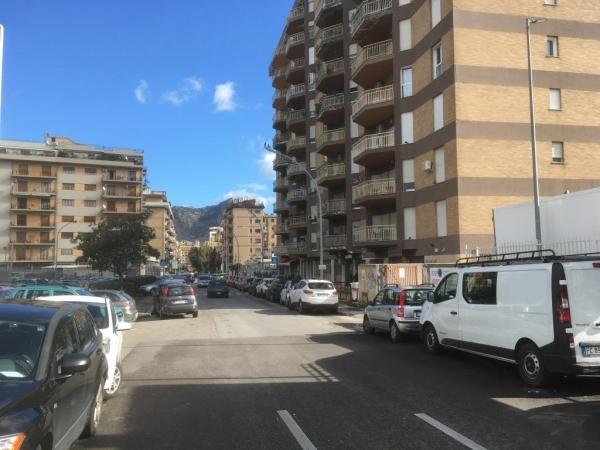 6 VANI di 185 Mq Zona V. le REGIONE SICILIANA/ VIA SARDEGNA Appartamenti