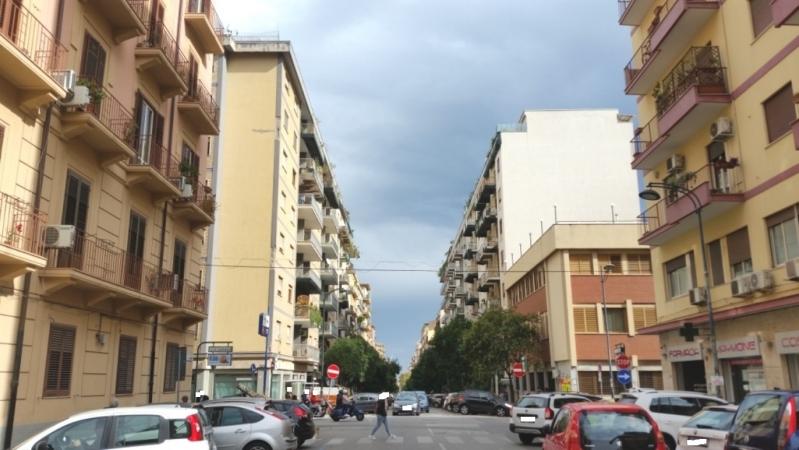 4 VANI di 150 Mq Zona LIBERTA'/ P.zza D.ro SICULO Appartamenti