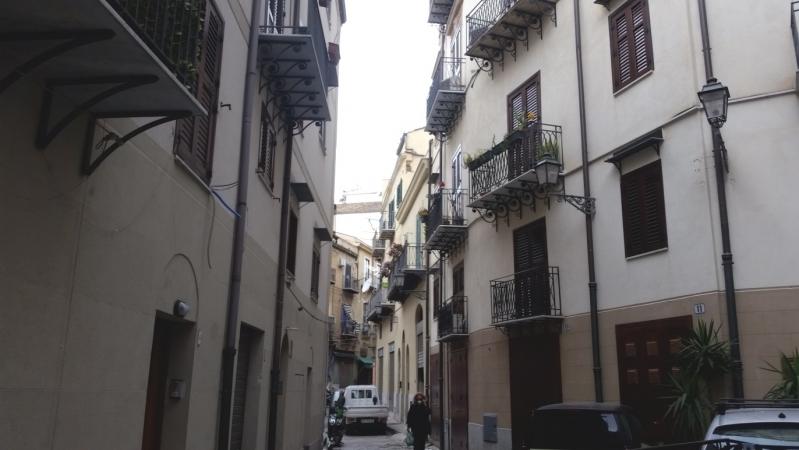 2 VANI di 50 Mq ZONA CENTRO STORICO/ TRIBUNALE Appartamenti