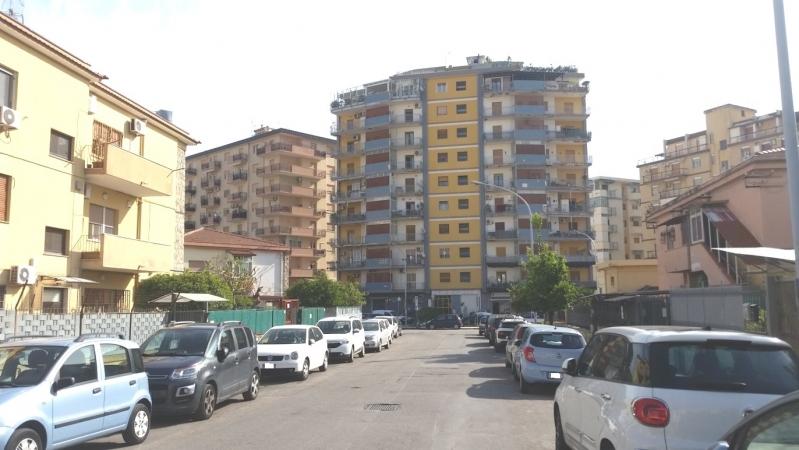 3 VANI di 80 Mq ZONA NOCE/VIALE REGIONE SICILIANA Appartamenti