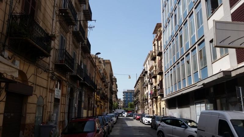 4 VANI di 90 Mq ZONA STAZIONE CENTRALE/ VIA ROMA Appartamenti
